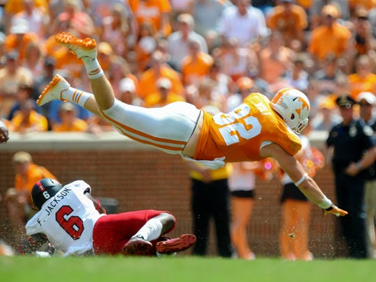 Vols tight end Ethan Wolf (82)