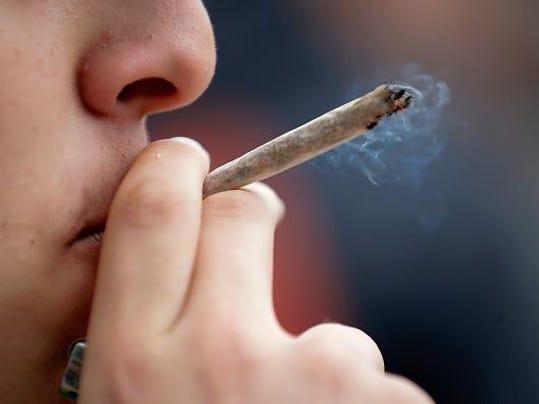 FRANCE-DEMO-DRUG-CANNABIS