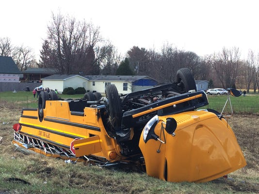 635940045605633683-AP-Basketball-Team-Bus-Crash.jpg