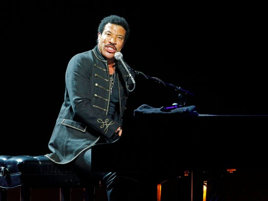 Lionel Richie performs at Ak-Chin Pavilion Sunday, June, 8, 2014, in Phoenix.