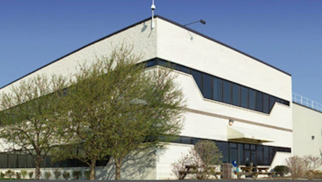 North Carolina-based Akoustis has signed an agreement to purchase the STC center in Canandaigua.