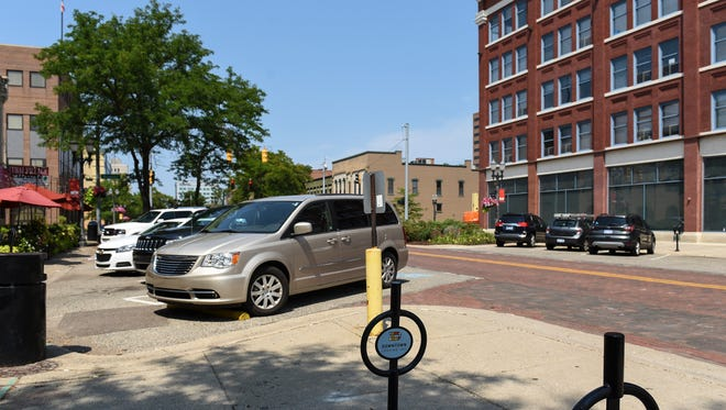 A drafted ordinancewould create an exceptionto Lansing's overnight parking ban. At present, Lansing bans parking on all city streets between 2 and 5 a.m., though that ban is rarely enforced.