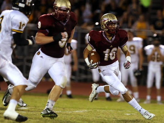Riverdale's Gentry Bonds lead the Warriors' secondary.