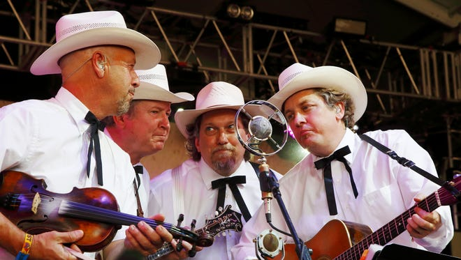 July 22JERRY DOUGLAS and THE EARLS OF LEICESTER: 8 p.m. Country Music Hall of Fame and MuseumÕs CMA Theater, $38-$42, countrymusichalloffame.org.