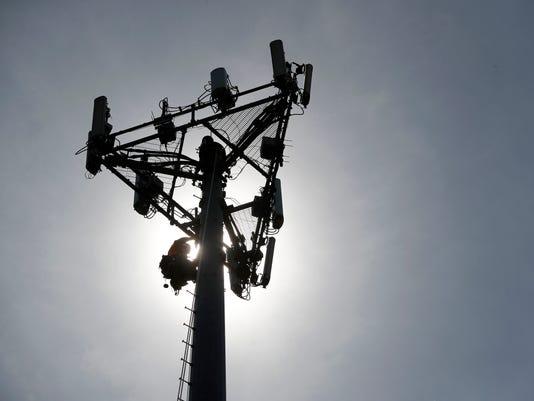636370312727545482-cell-tower.jpg