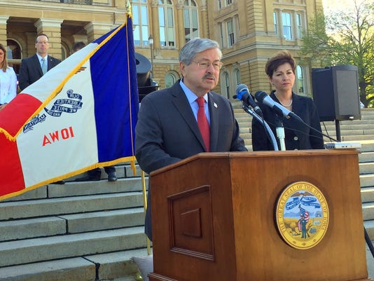 635971850693842597-Branstad-Reynolds-April-25-2016.jpg