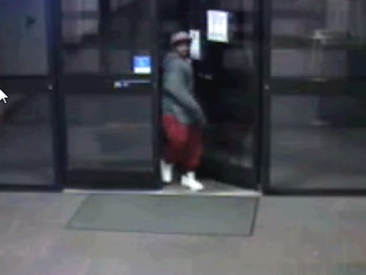 635956531209380013-2016-04-07-18-10-57-Help-Identify-Assault-Suspect---YouTube.png