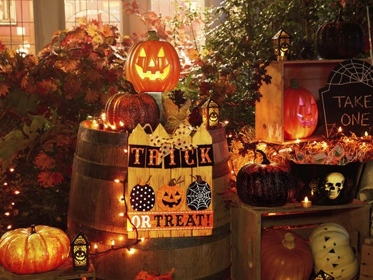Homes Halloween Themes (9)