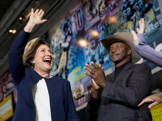 Hillary Clinton, Mel Blount