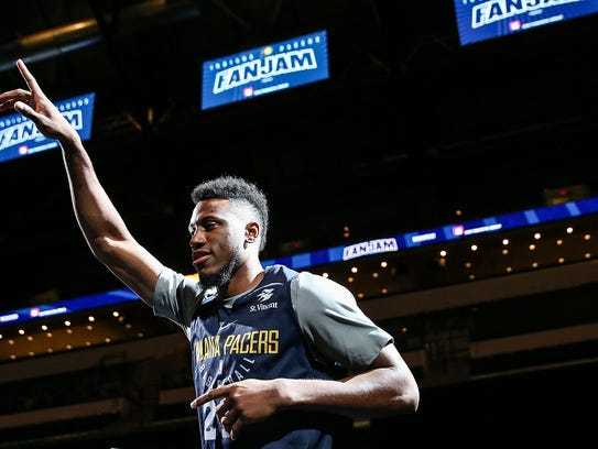 Indiana Pacers forward Thaddeus Young (21) takes the