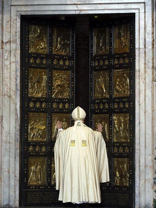 Vatican Pope Holy Yea_Grun (1)