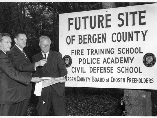 A sign going up in 1963 at the Campgaw Mountain County