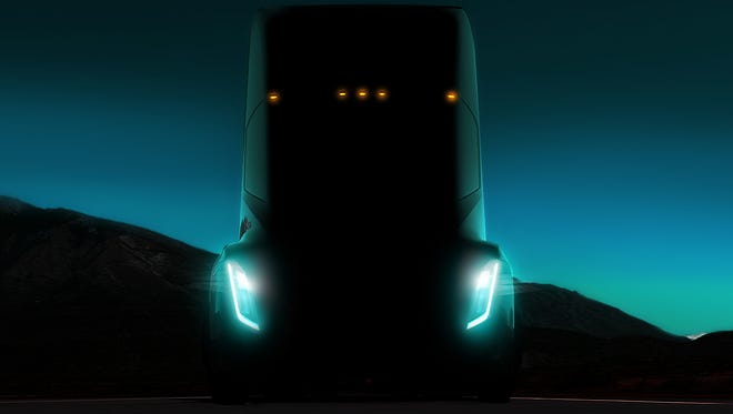 Tesla unveiled its new big rig tractor in November