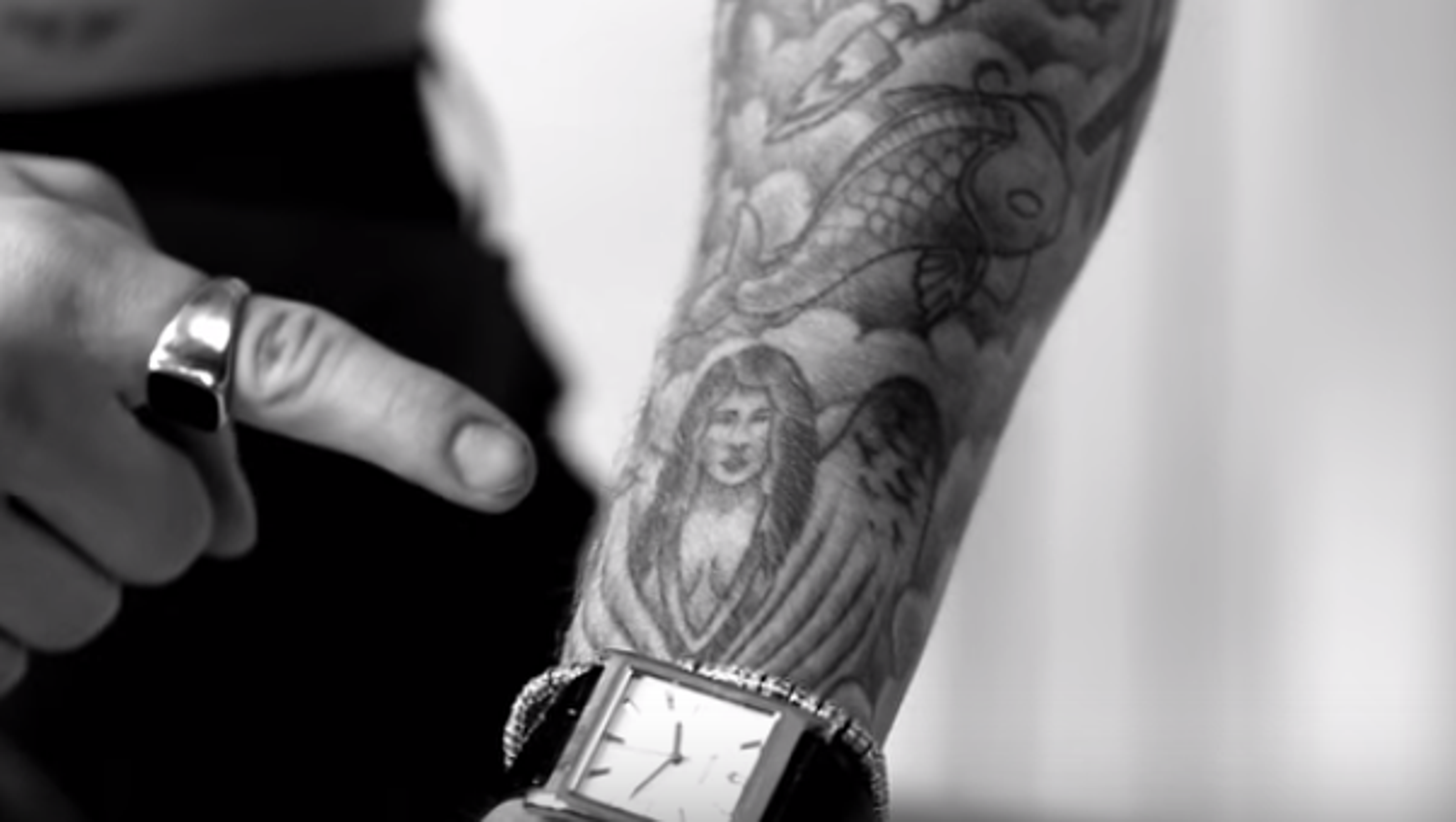 Justin Bieber Tried And Failed To Cover Up His Selena Gomez Tattoo