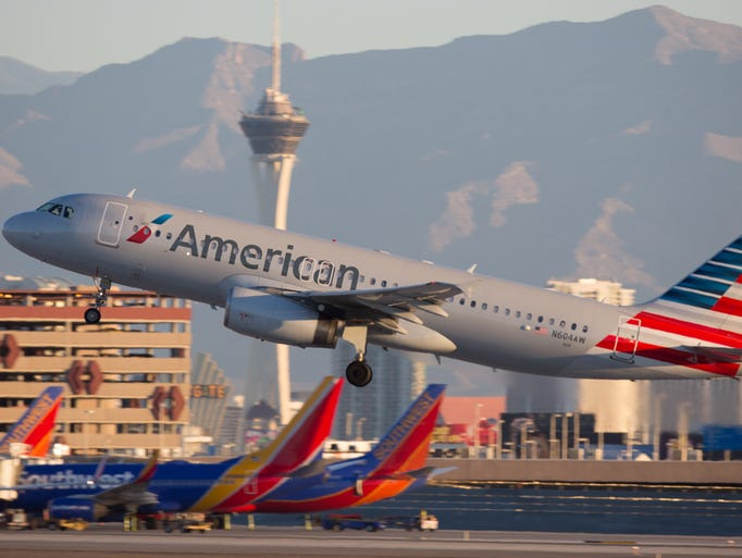 An American Airlines Airbus A319 takes off from Las