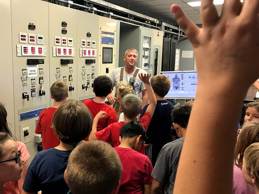 636415059477695976-4th-Grade-Dam-Tours-Inside.jpg