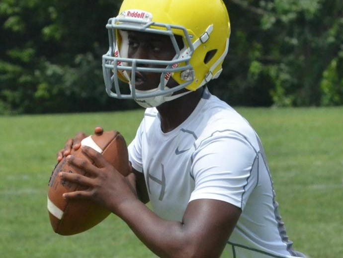 Hillsboro quarterback Daylon Murphy reads the opposing defense during the National Select 7-on-7 Mid-South Qualifier at Clarksville High School on Wednesday.