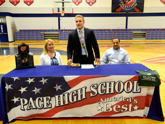 Tom Piscopo signs with Northern Michigan University