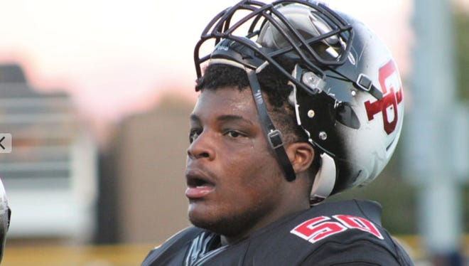 Oak Park offensive lineman Marquan McCall is a top recruit for 2018.