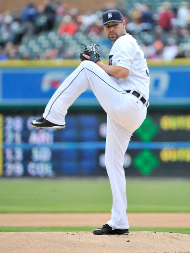 Tigers pitcher Mike Pelfrey works in the first inning.