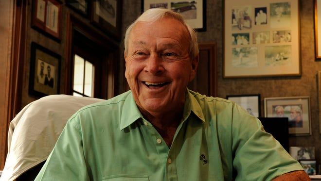 Arnold Palmer in his Latrobe, Pa., office in 2009.