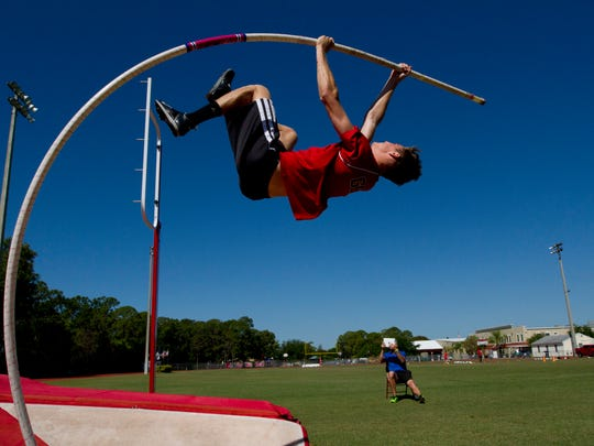 Pole Vaulter 03 - FOR INSIDE.jpg