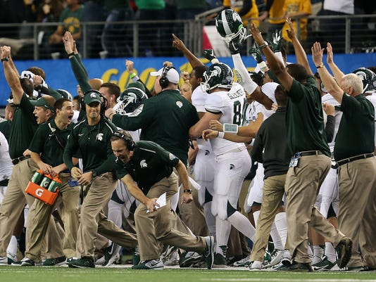 Dantonio celebrate Cotton Bowl (Couch)