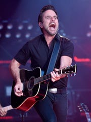 Charles Esten performs at the 2018 CMA Music Fest Thursday,