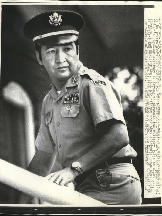 1971 Press Photo Captain Ernest Medina enters court martial proceedings.