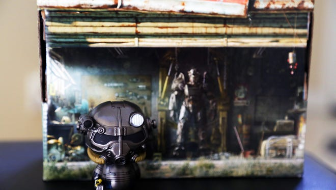 Unboxing the Loot Crate June 2016 Dystopia Box, which includes items from Fallout, Robocop, The Matrix and Bioshock.