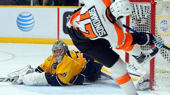Wayne Simmonds, the NHL's third star of the week, is hoping to end the road trip on a good note.