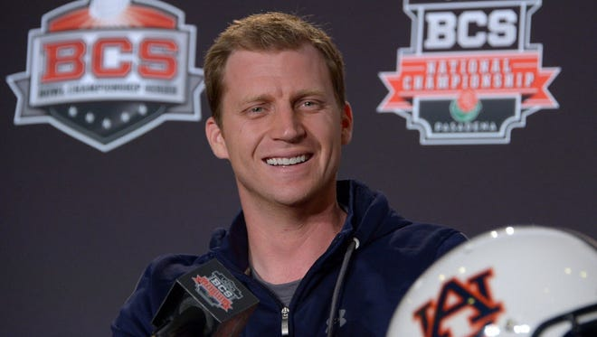 Rhett Lashlee will be the new offensive coordinator at UConn.