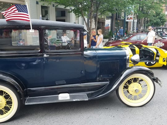 Antique cars line Main Street during the 2017 Franklin