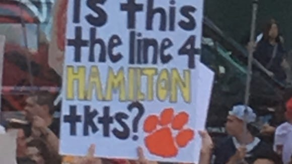The 13 best signs from ESPN's College GameDay NYC