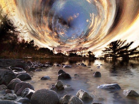 Event Horizon_van minsel Sept 2015