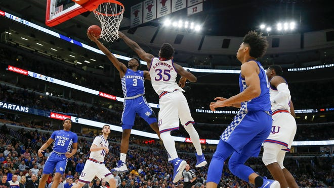 Hamidou Diallo of Kentucky puts up a layup against Udoka Azubuike of Kansas during the 2017 Champions Classic at the United Center in Chicago, IL on Tuesday, November 14, 2017.