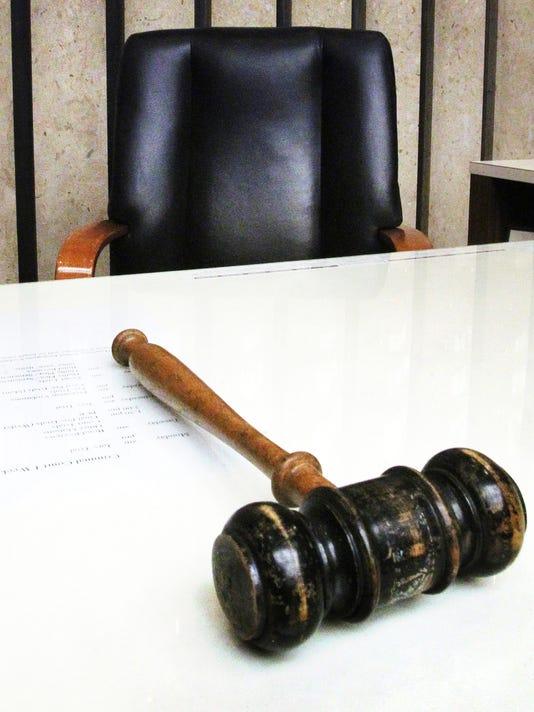 JUDGE GAVEL JUSTICE CRIMINAL.!!!.jpg