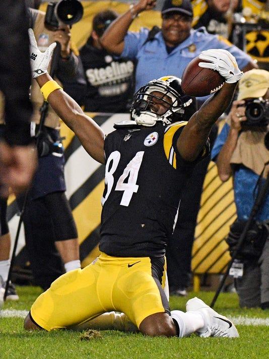 Ravens_Steelers_Football_30652.jpg