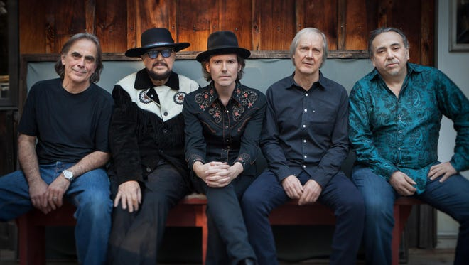 The Weight features Jim Weider and Randy Ciarlante from The Band, Brian Mitchell and Byron Isaacs of the Levon Helm Band and fellow traveler Marty Grebb.