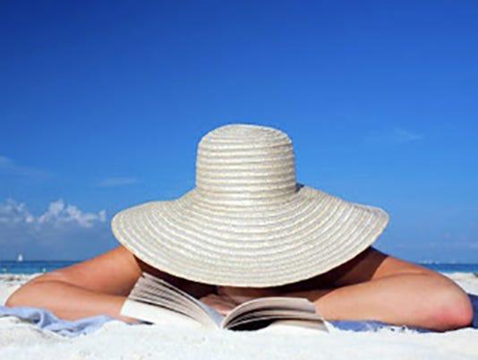 635650820397044739-Teaser-beach-read