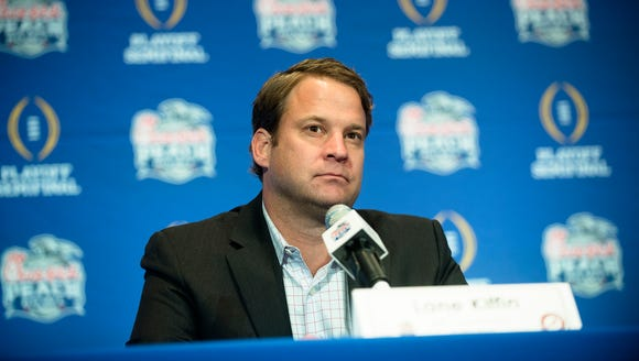 Alabama offensive coordinator Lane Kiffin speaks on