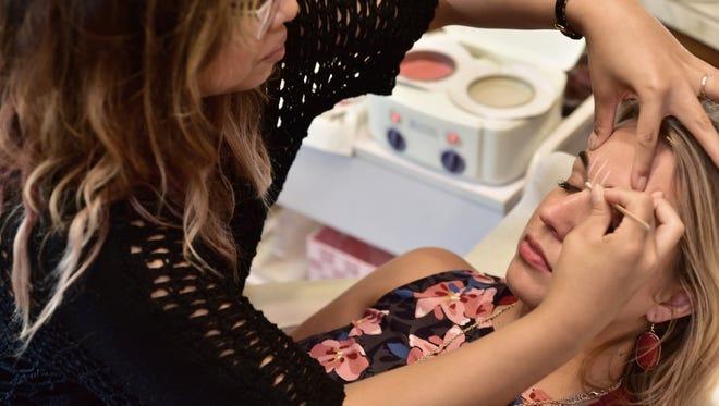 Eyebrown shaping