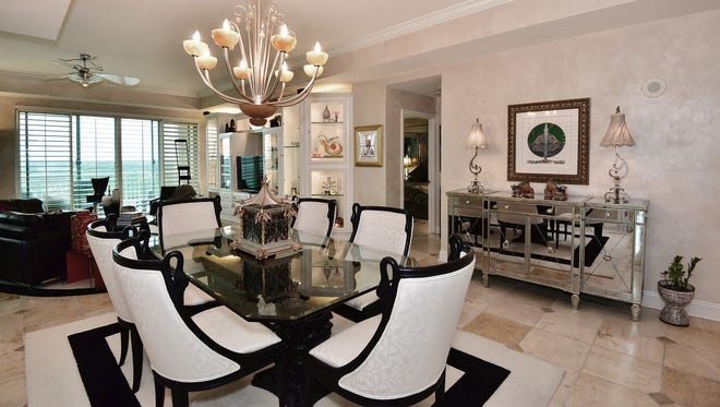 1700 Scenic Highway Apt. 902, formal dining space.