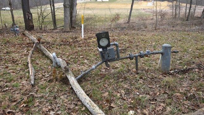 A dead tree fell on a gas line, causing a leak on Wednesday.