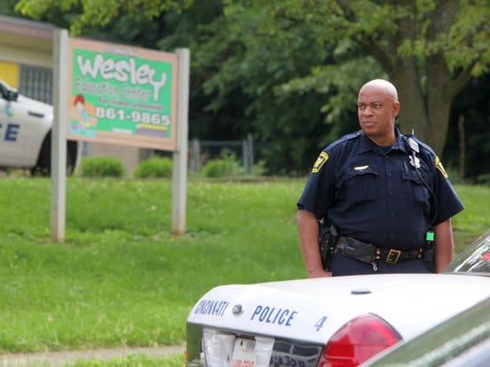 Police investigate the shooting of man on Hale Avenue
