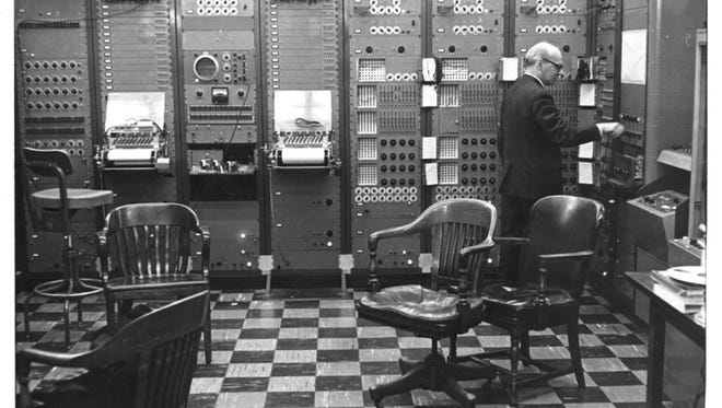 Milton Babbitt created electronic music with the innovative RCA Mark II synthesizer.
