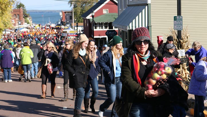 More than 50,000 people attend the Bayfield Apple Festival