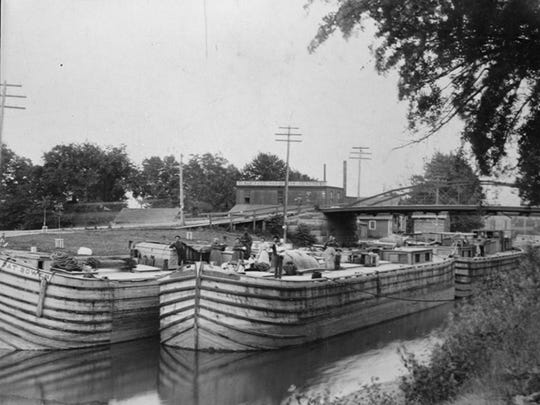 Packet boats along the canal at Spencerport are seen in this circa 1912 photo.