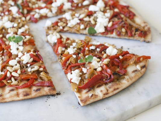 -Food Deadline Grilled Pizza.JPEG-0b2ff.jpg_20140530.jpg
