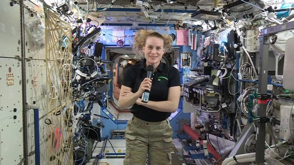 Astronaut will vote from orbit if homecoming delayed